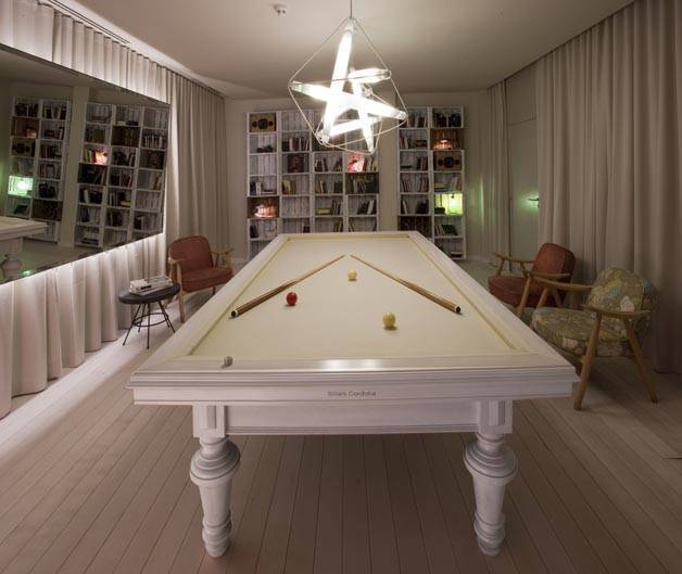 chic and basic pool table
