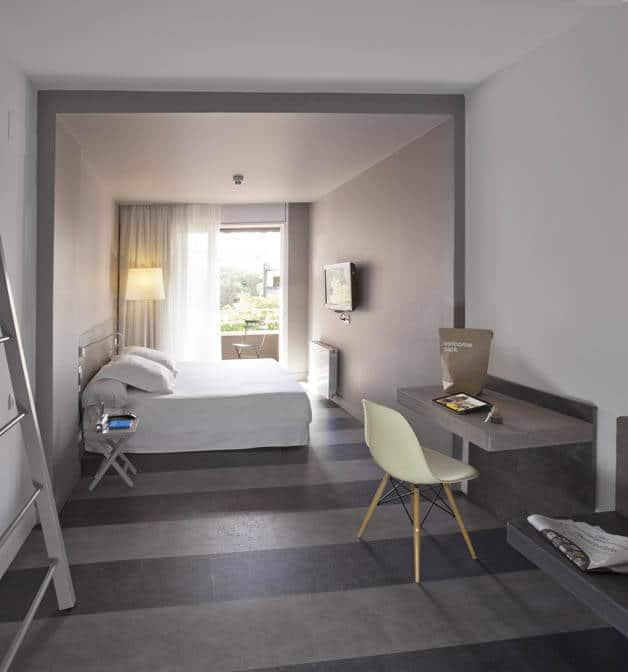 chic and basic white room