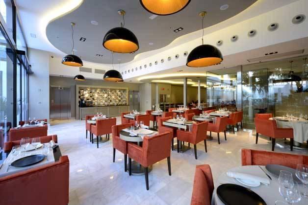 Hotel Indigo dining room