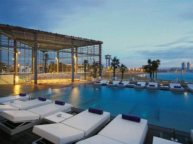 hotel terraces: wet bar