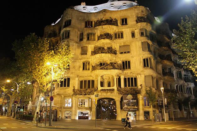 La Pedrera night