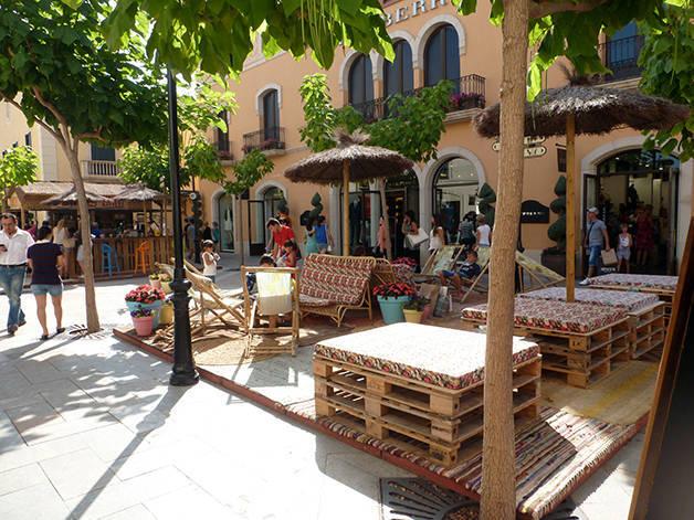 Roca Village relaxation area