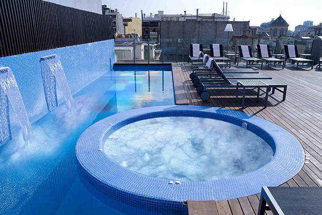 hotel axel terrace and pool