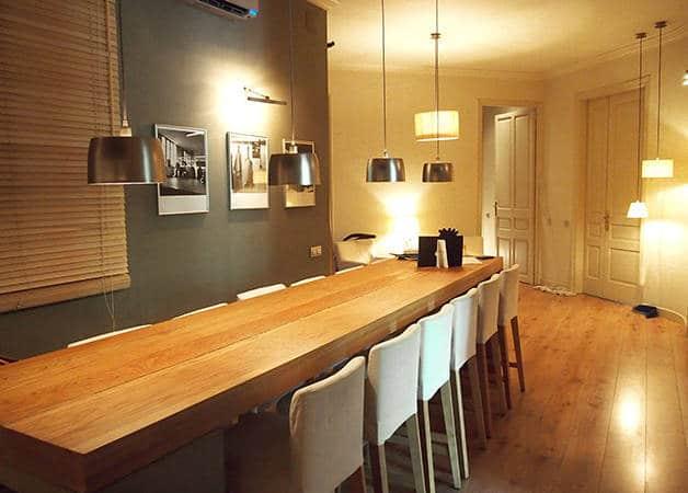 Barna House B&B bed & breakfast table