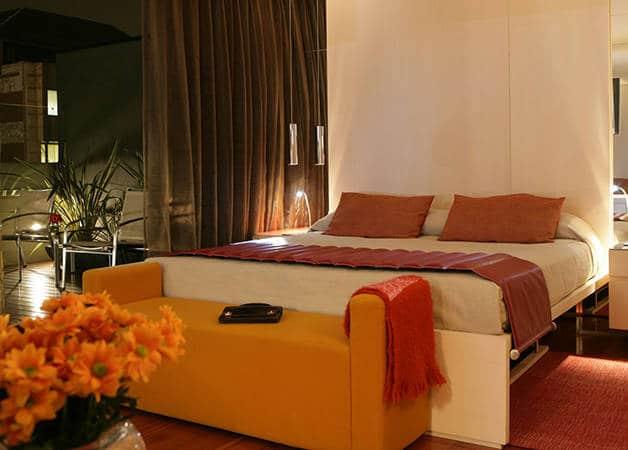 Hotel Cram room