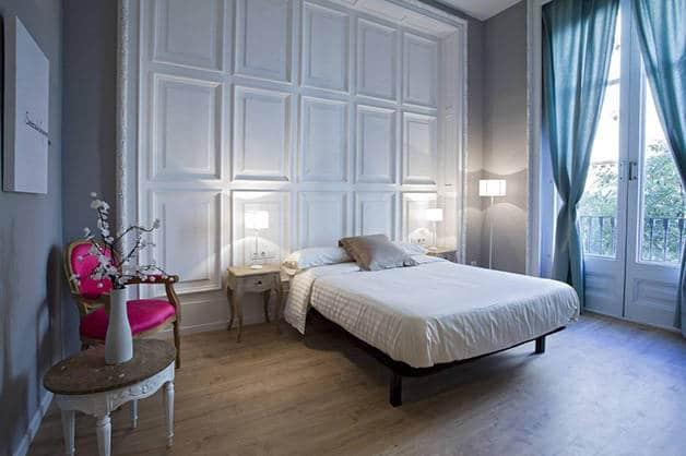 violeta boutique bed double room