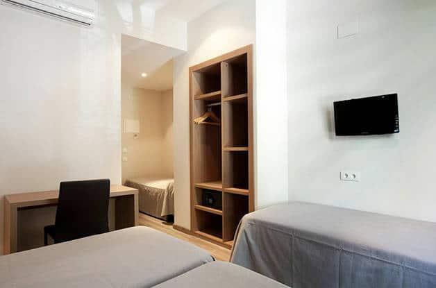 hotel centric room