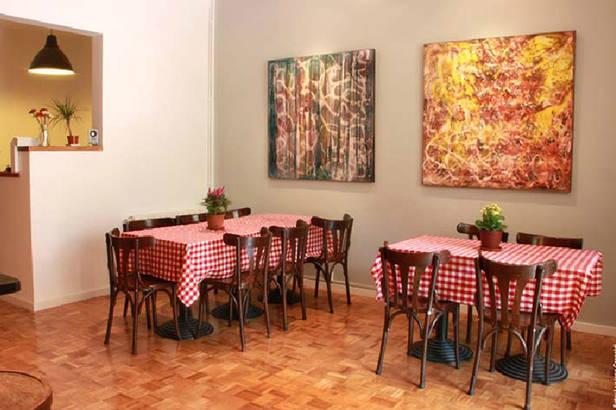 casa consell dining room