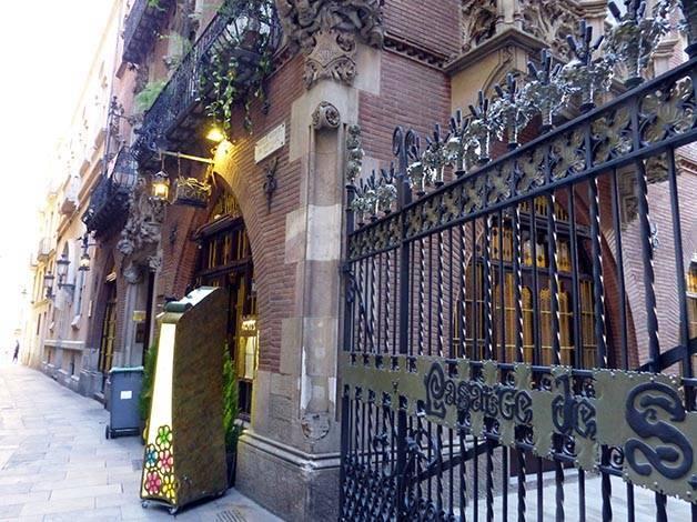 4 gats catalan art nouveau