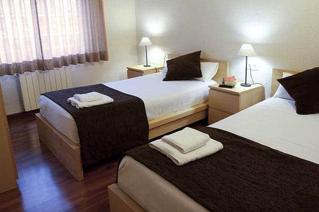 twin room madanis hotel