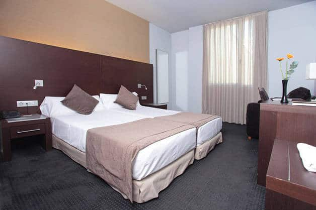 twin beds madanis hotel