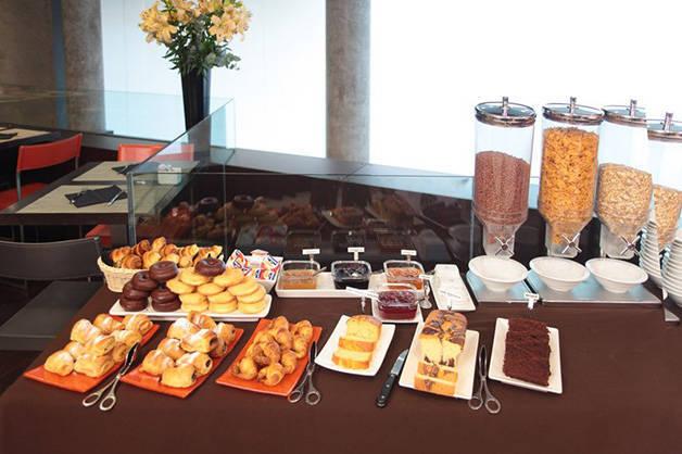 breakfast madanis hotel