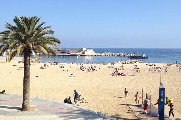 picnic on the beach Barcelona