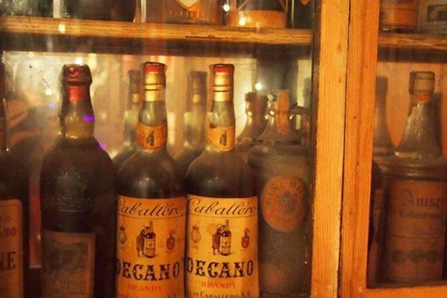 bar marsella: bottles