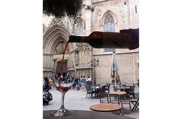 la vinya del senyor: a glass of red wine