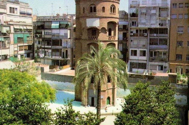 open-air pools in Barcelona, torre de les aigues