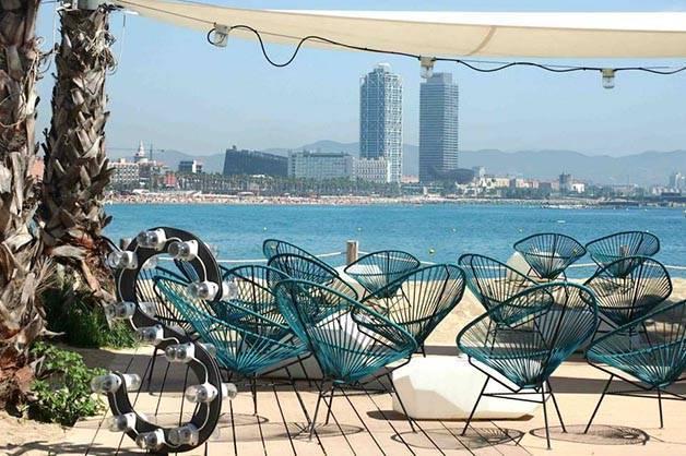 Terrasse bar de plage de Barcelone