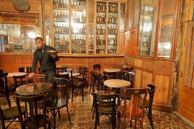 Marsella bar Barcelona history weekend