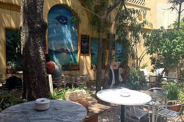 mercadillo tables hidden terraces