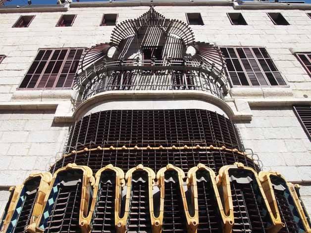 façade Palau Güell
