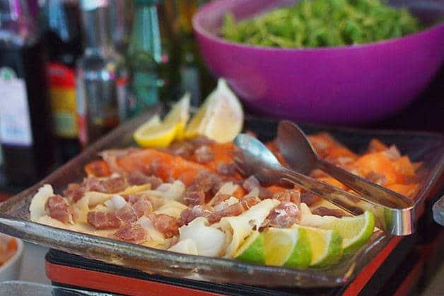 brunch barcelo raval salad