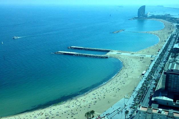 beaches Barcelona with children