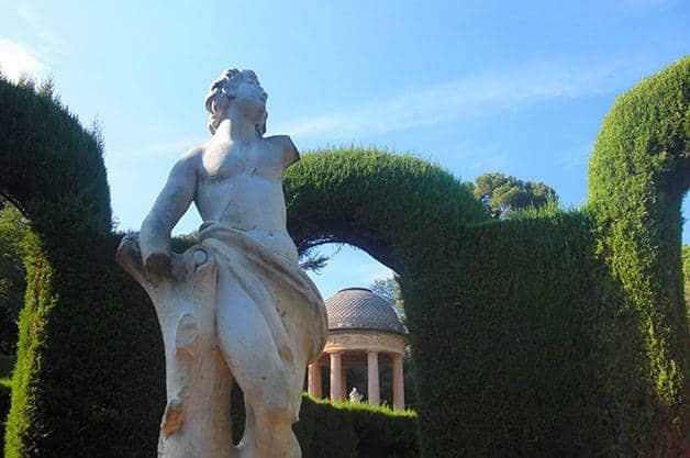 horta labyrinth park statue
