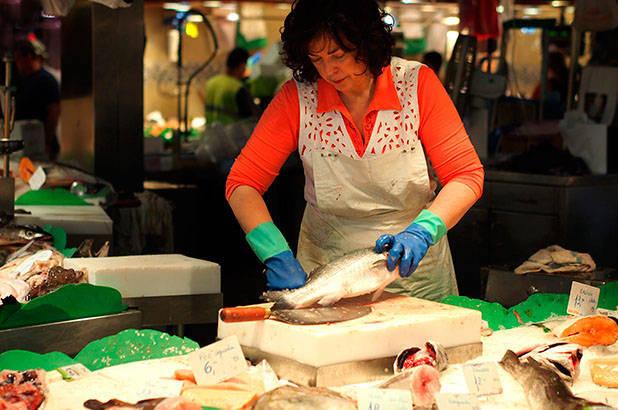 fish seller la boquería market