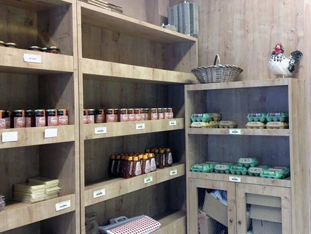 granja armengol shelves