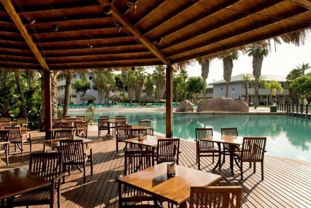 Port Aventura hotels Caribes dining room