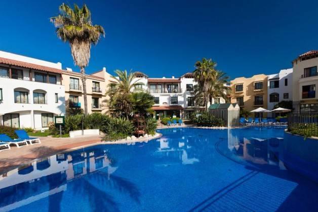 Port Aventura hotels pool