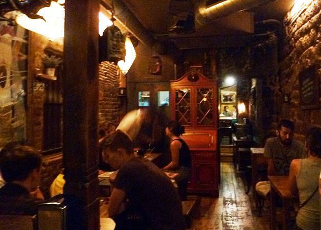 Alcoba Azul dining room