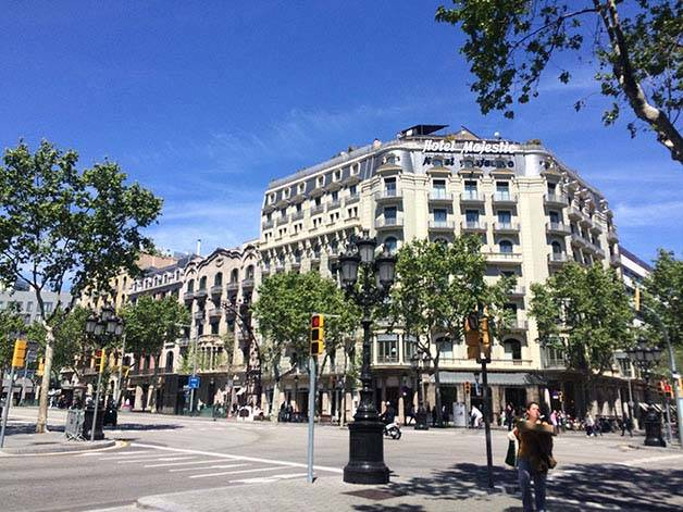 shops on passeig de gracia