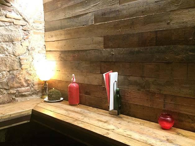 bormuth-bar wooden corner