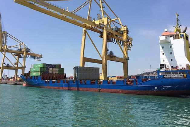 industrial port Golondrinas