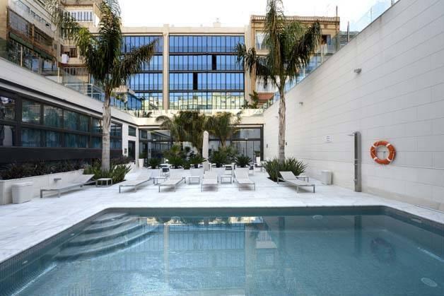 hotel indigo pool