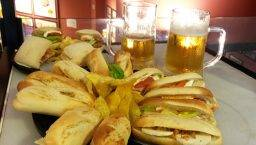 100 montaditos sandwich and beer