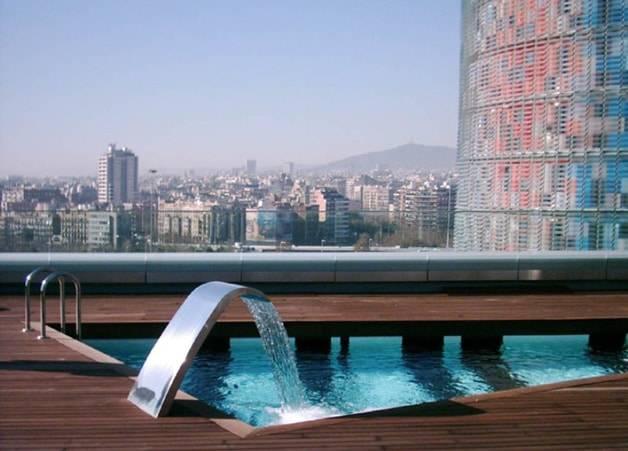 The Gates Diagonal Barcelona pool