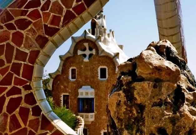 Visit Barcelona: lodge at Parc Güell