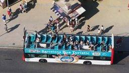 tourist bus see from above