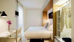 hotel denit room