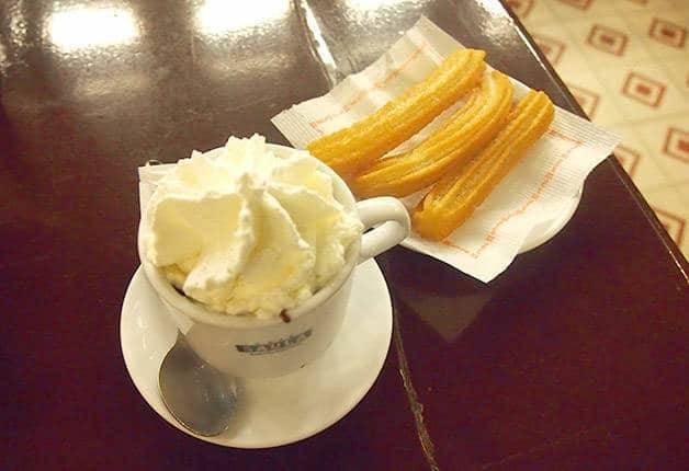 catalan drinks, hot chocolate