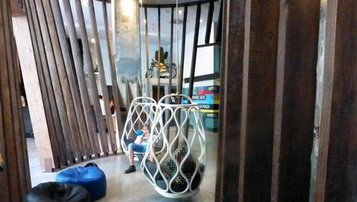 generator youth hostel lobby