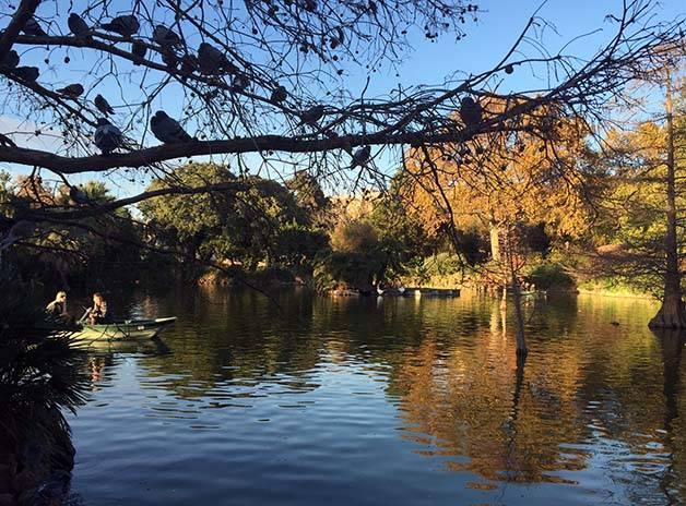 parc de la ciutadella lake