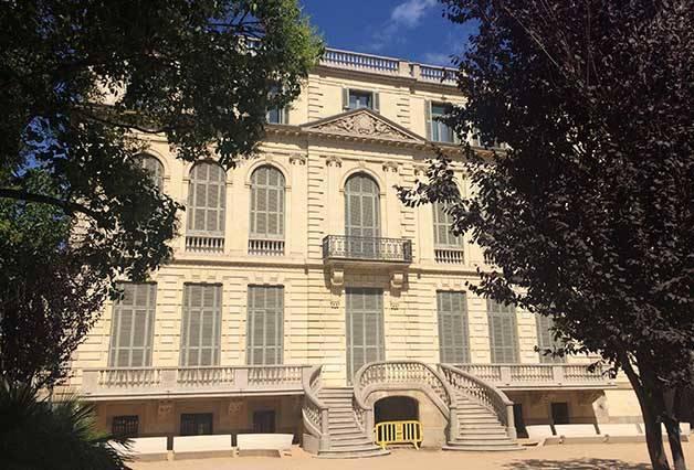 Palau Robert the rear facade