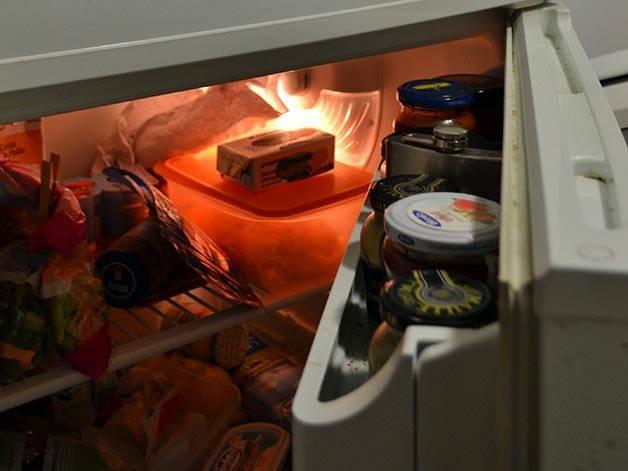 share apartment fridge