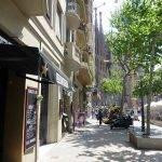 Restaurant near Sagrada Familia le coq and the burg