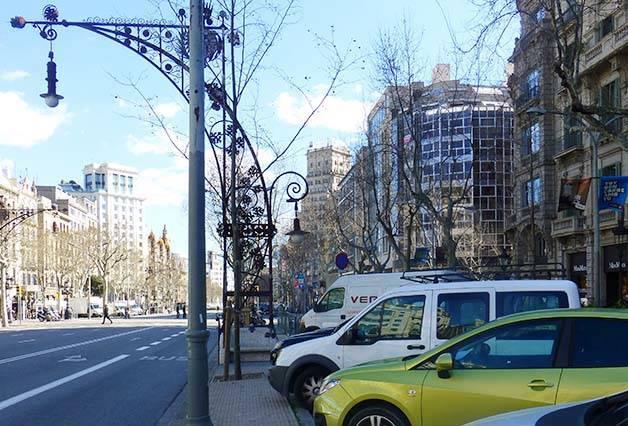 driving in Spain passeig de Gràcia