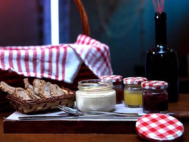Verne picnic liver paté and jams