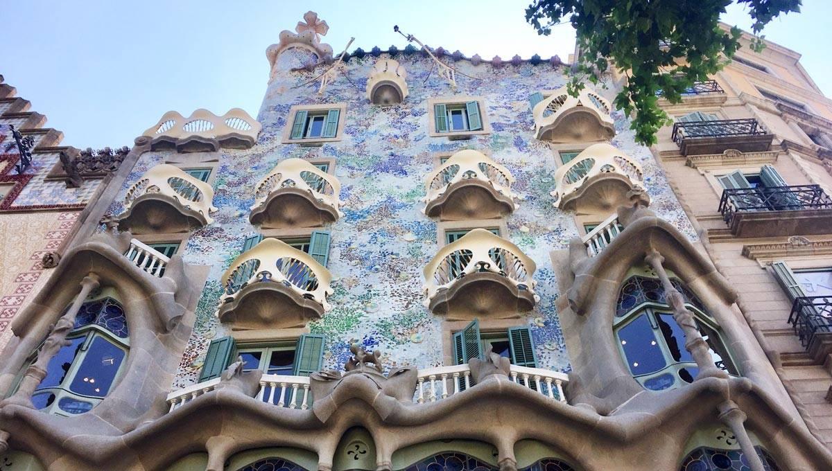 Casa Batlló Antoni Gaudí S Fantastical And Enigmatic Masterpiece